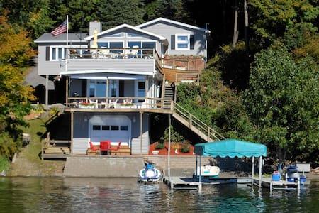 Best location on Owasco Lake! - Moravia - Rumah