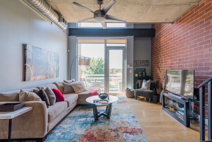 Uptown Loft near Panthers Stadium