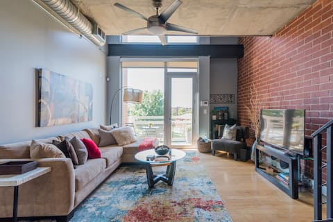 Uptown Charlotte Loft near Panthers Stadium