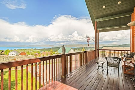 Cozy cabin w/ great lake view & wrap-around deck - near golf and Bear Lake!