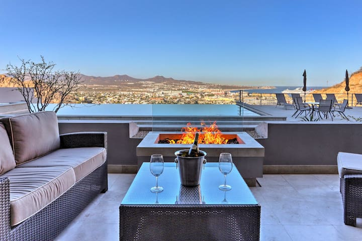 Luxe Mtn Top Retreat w/ Pool & Sea of Cortez View!