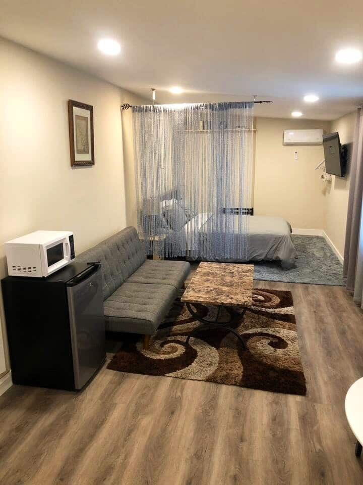 Newly Renovated Spacious Room w/ Private Entrance