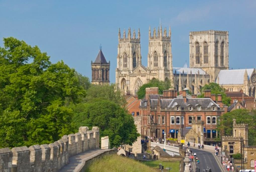 The beautiful city of York only 15 mins drive.