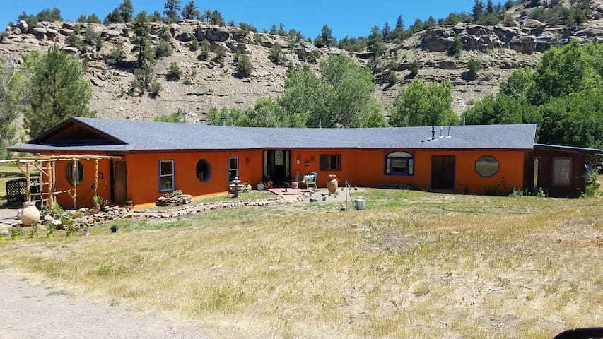 Casa Chimney Rock 2