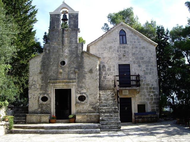 Church of Saint Antun.