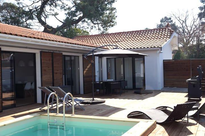 Divine maison aux Abatilles avec piscine