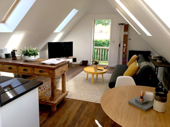 Beautiful Loft Apartment in Chilterns / Nr Oxford