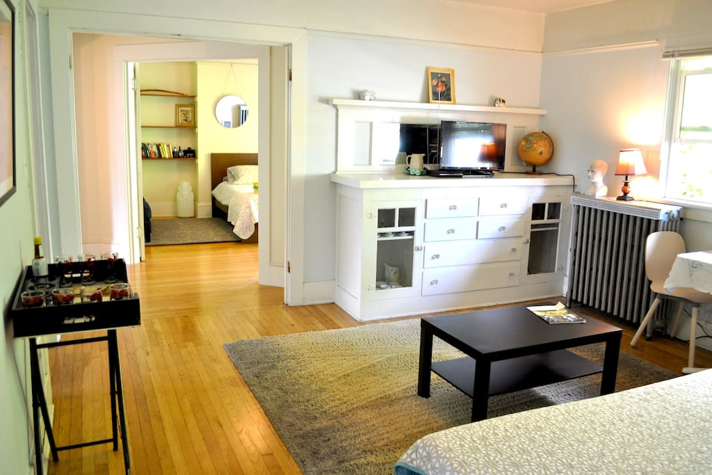 Charming And Spacious Two Bedroom Walk Up Apartments For Rent In Portland Oregon United States