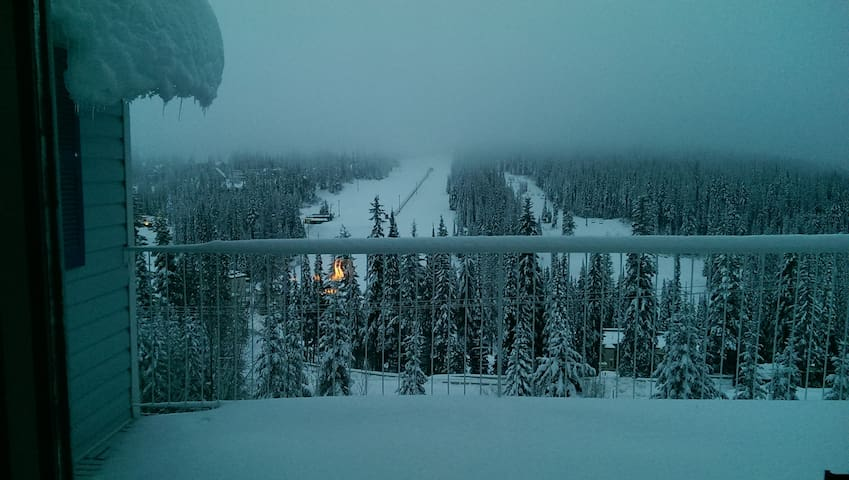 Silver Queen View of the Champagne Powder Snow !! - Vernon - Rumah