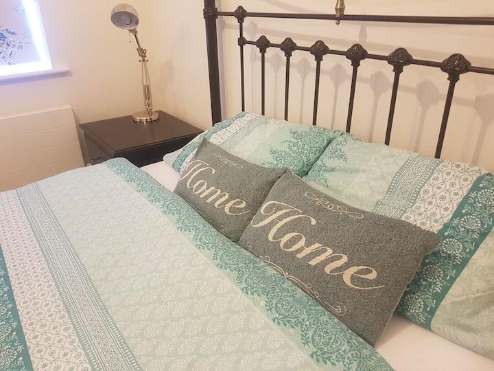 5* 2  bedrooms + 2 bathrooms in Folkestone, Kent