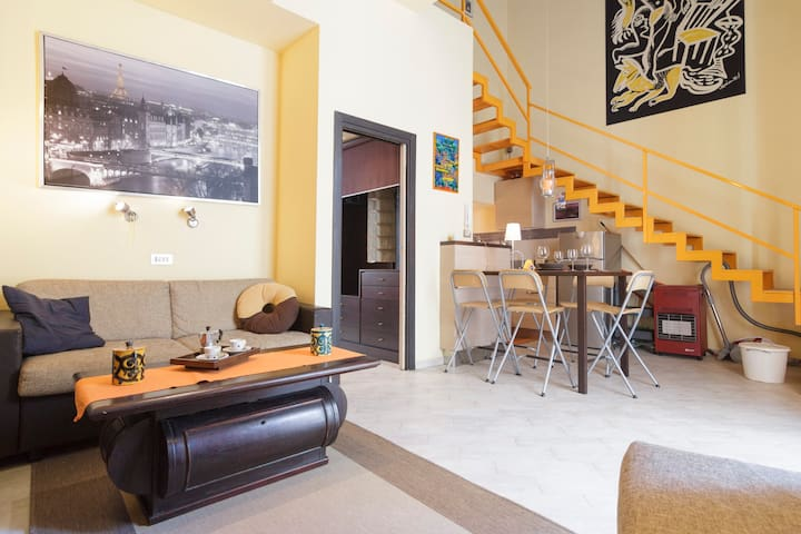 Modern Apartment with Parking in Historical center