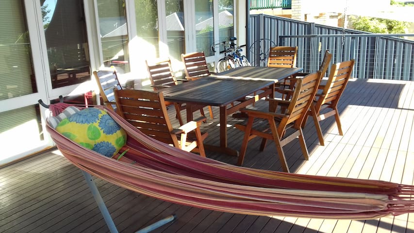 Spacious comfy home-away-from-home - Fremantle - Rumah