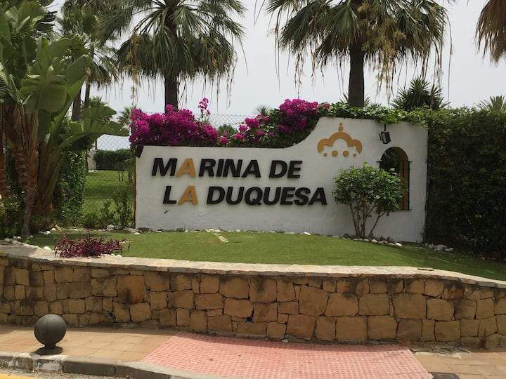 Marina La Duquesa beach Resort Apart with Sea view