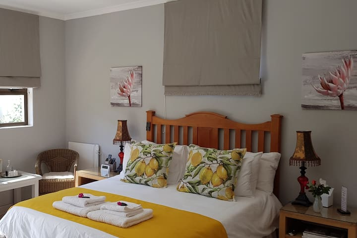Kiewiet's Nest, Durbanville, Self-catering cottage
