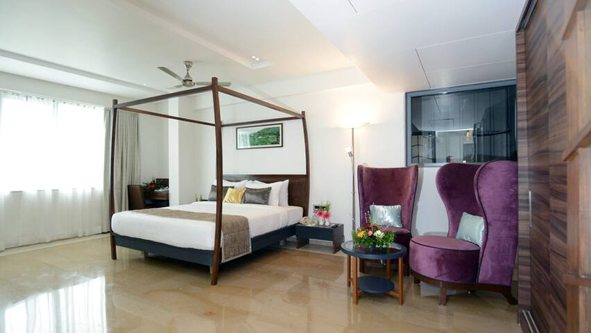 Luxurious Suite  at Boutique Hotel in Alibaug