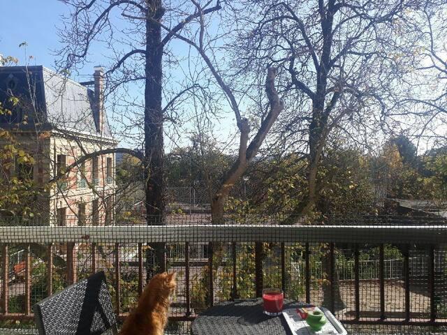 Appartement au calme å la limite de Paris