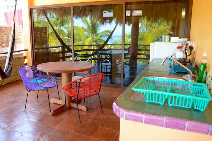 Colorful La Punta Apt w/ Beach View - Brisas de Zicatela - Apartment