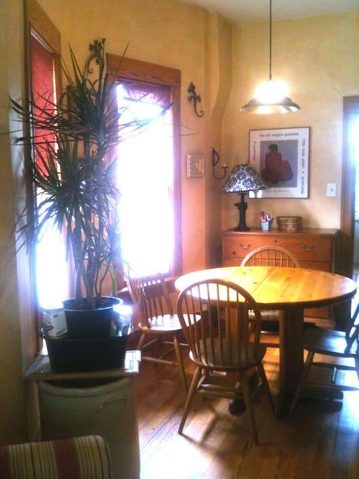 Sunny Dining area