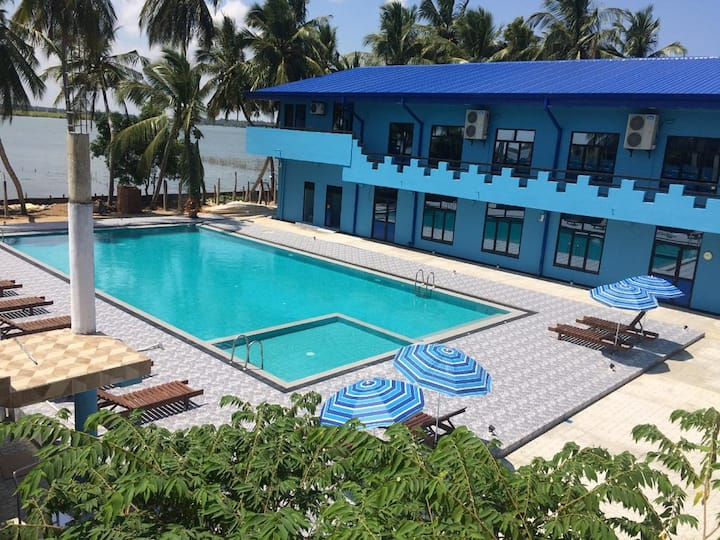 Sunny Fish Hotel & Resort