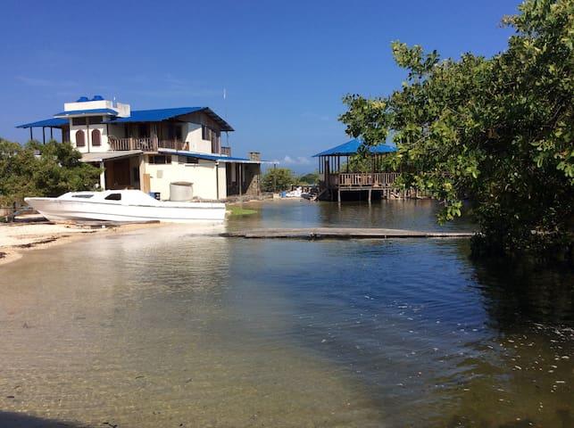 Puerto Ayora Stevie#2 Ocean View Loft