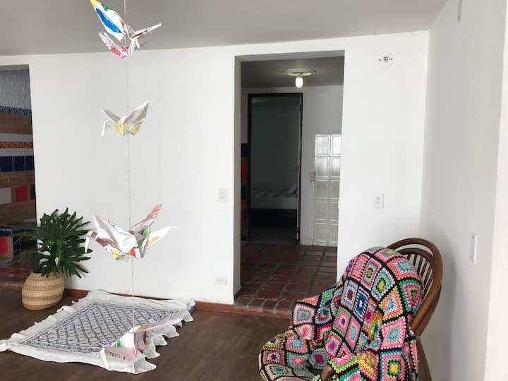 Casa estudio independiente, serenidad y arte