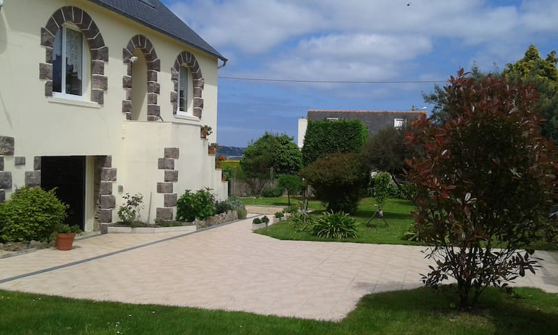 maison aux portes de PAIMPOL son port en ville - Plourivo - Huoneisto