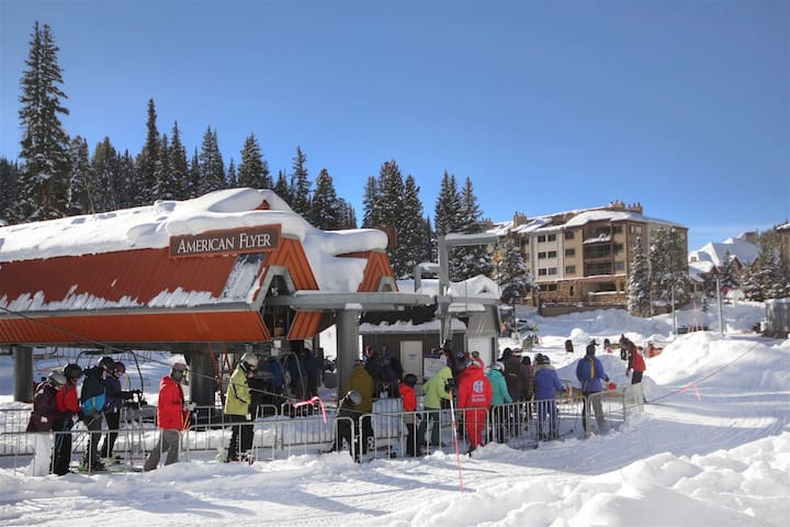 True Ski In-Ski Out at Copper Mountain by the American Flyer Lift - LC404