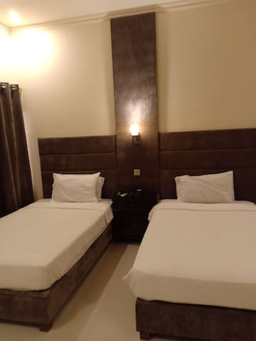 Shelton house best provide services in hotel