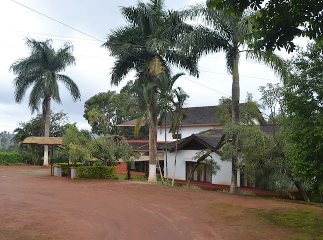 Leisure Vacations Three Rivers Resort, Coorg - Madikeri - Huoneisto