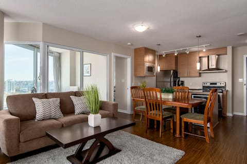 PANORAMIC VIEW, BEST LOCATION DOWNTOWN CITY LIVING