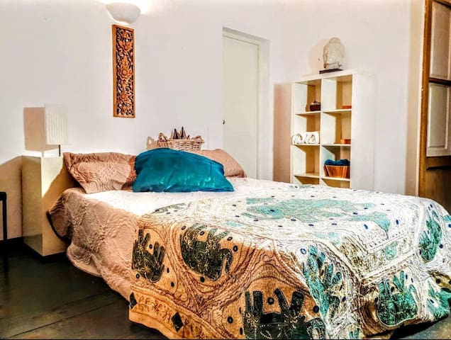 THE VINTAGE BEDROOM In the Heart of  Ibiza OldTown