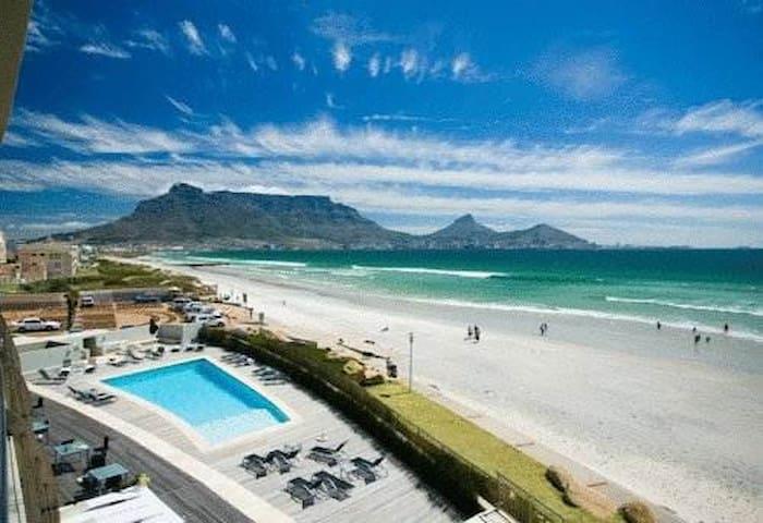 (31) Beachfront views of Table Bay