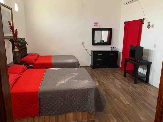 Hotelito: GONZÁLEZ. Habitación-2