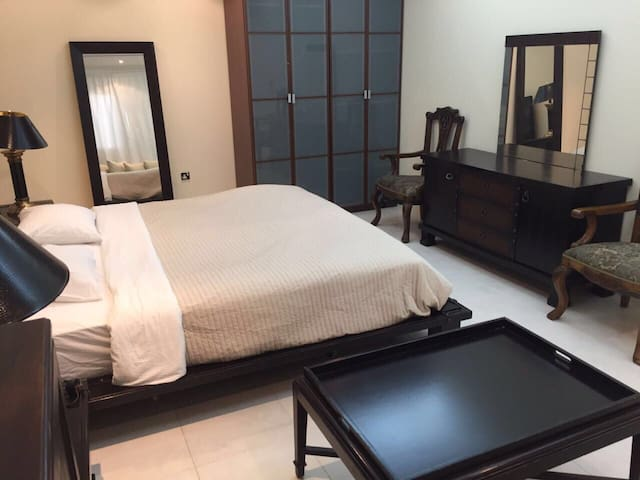 Large room in difc all inclusive - Dubai - Hus