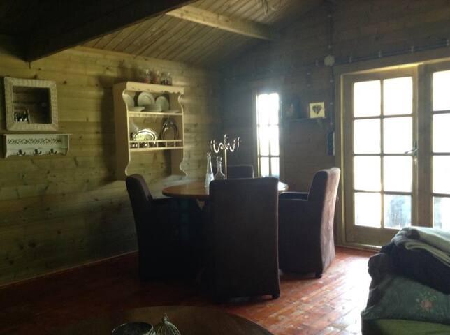 Prachtige hut op het water - Hitzum
