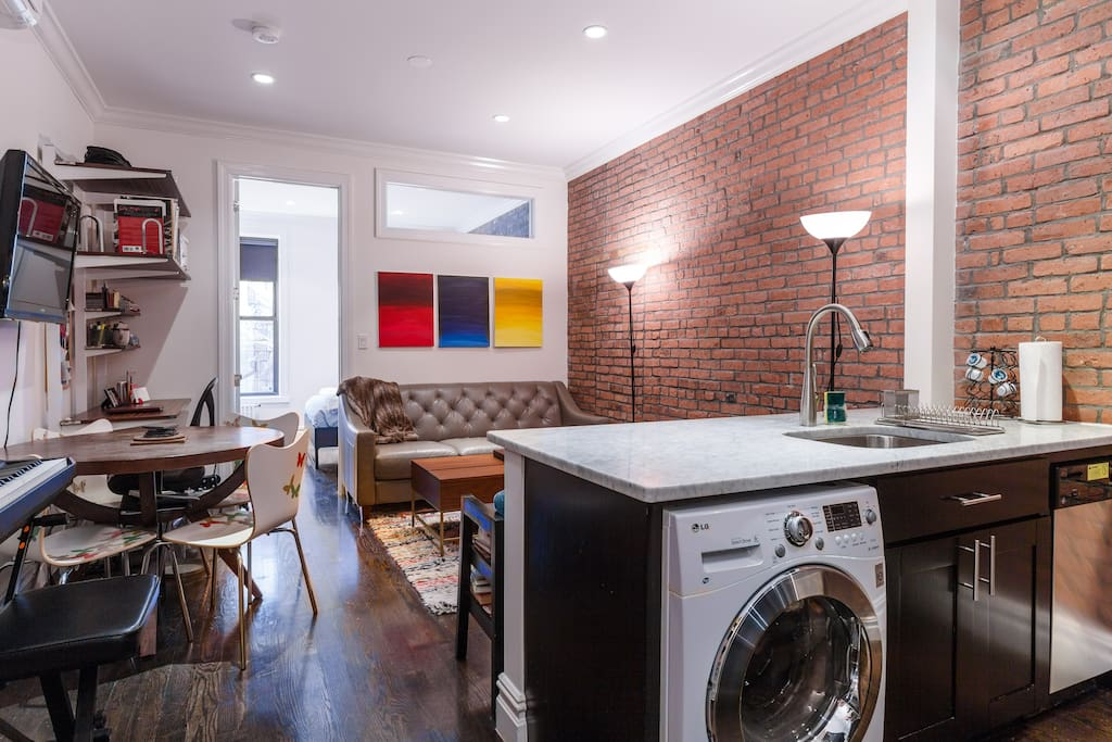 Pre War Charm With Modern Chic In Hell S Kitchen