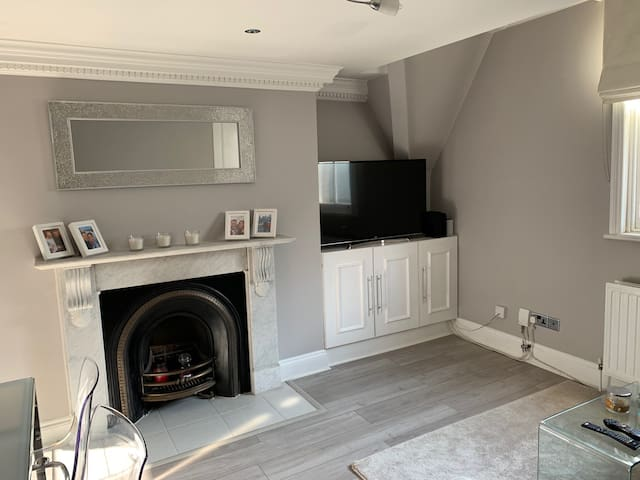 Lovely 1 bed flat in Highgate, London