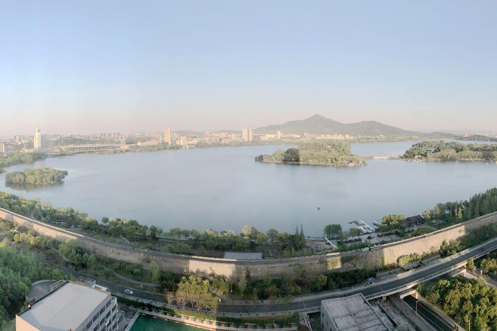 180度湖景,俯瞰整个玄武湖