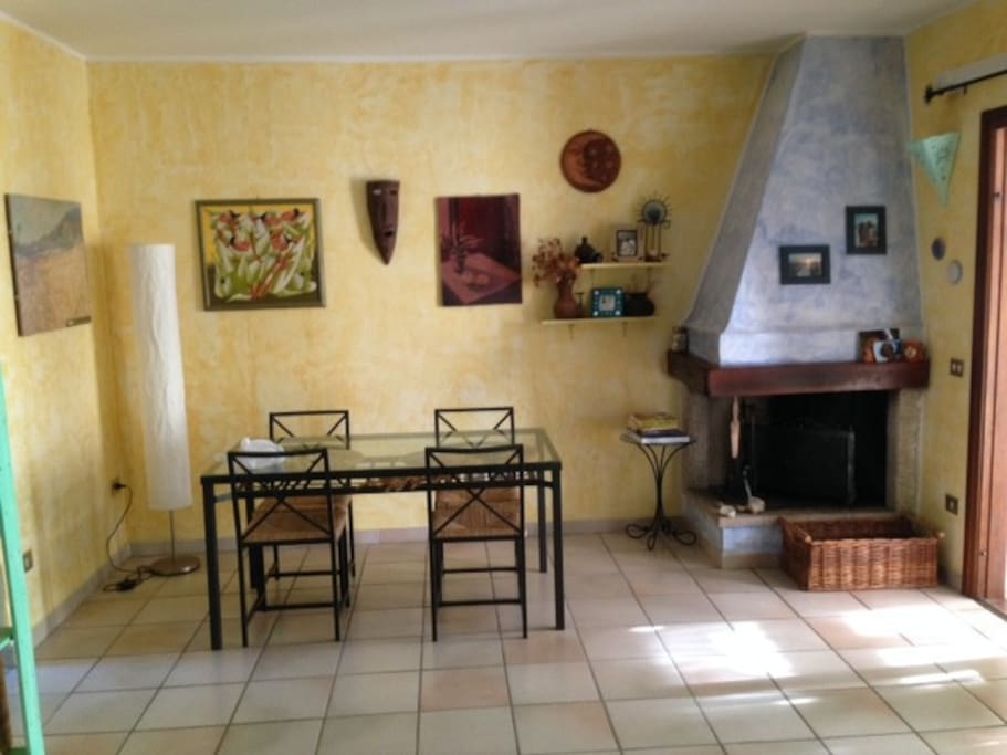 Splendido alloggio di 90 mq con giardino barbacue for Giardino 90 mq