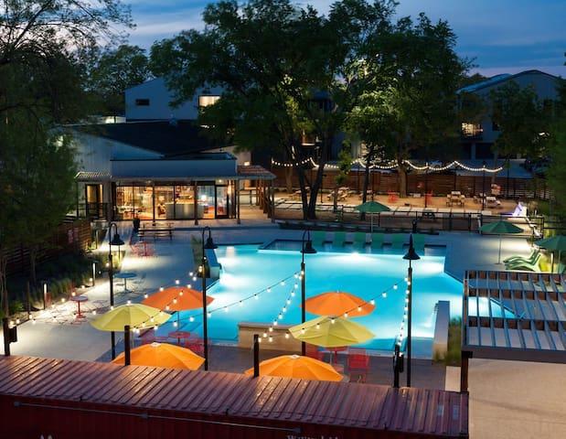 Wonderful King Suite Near Downtown W/Pool & Gym 4B