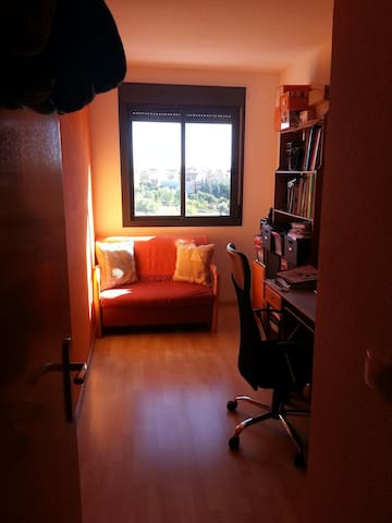 Hab. tranquila, ambiente familiar. - Madrid - Bed & Breakfast