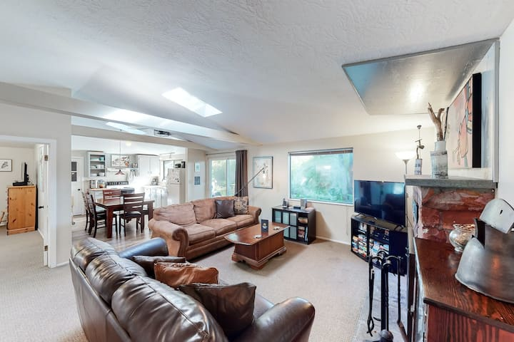 Quiet, dog-friendly home with private hot tub, backyard, & path to beach