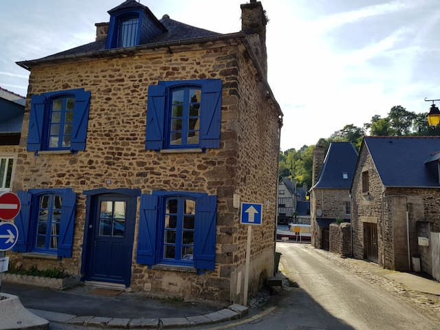 House on the port of Dinan