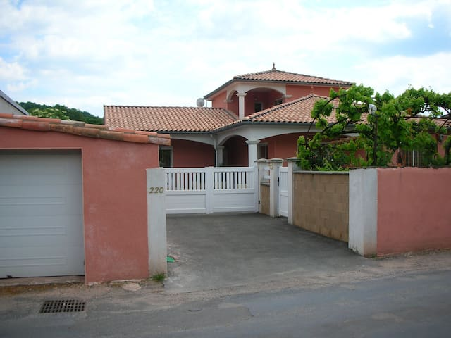 appartement dans villa - Vabres-l'Abbaye - Apartemen