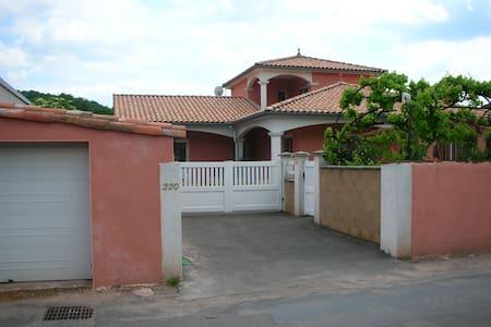 appartement dans villa - Vabres-l'Abbaye - Daire