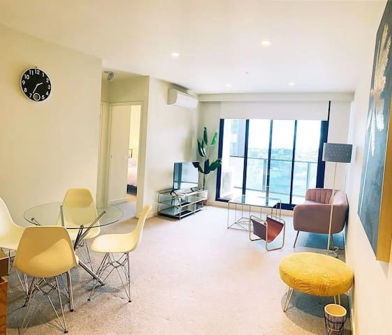 2Bed 2Bath Cosy Apartment in South Yarra 温馨双房公寓