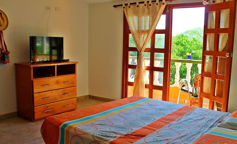 Casa Baloo # Darien  doble con vista al mar - Santa Marta (distrito turístico, cultural e histórico) - Bed & Breakfast