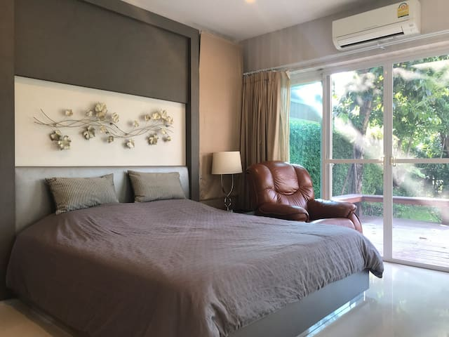 Relax Home at Nonthaburi