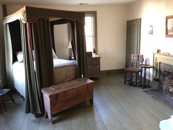 Historic Richmond Tavern - Tavern Chamber