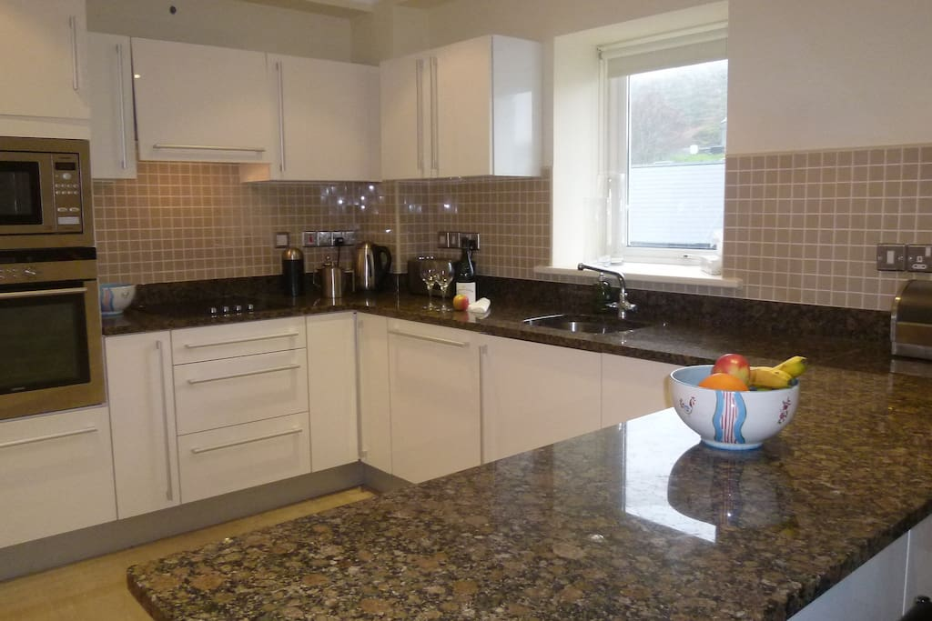 Kitchen with dining counter